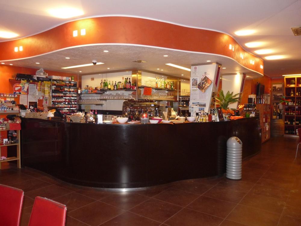 Cogefim srl vedita bar tabacchi for Arredamento bar tabacchi